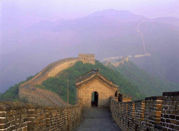 Great Wall of China 12' x 9' (3,66m x 2,75m)