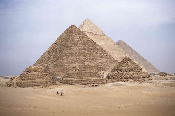 Pyramids 12' x 8' (3,66m x 2,44m)