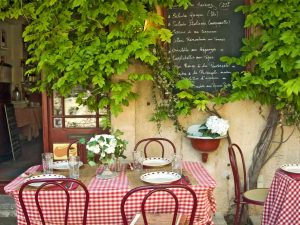 Bistro in Provence 6' x 8' (1,83m x 2,44m)