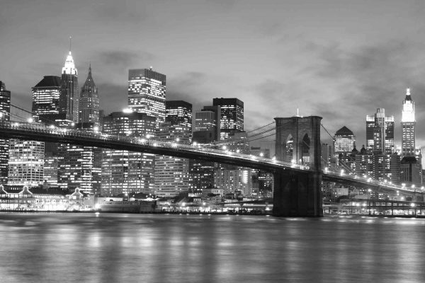 Brooklyn Bridge at Night (Black and White) 12' x 8' (3,66m x 2,44m)