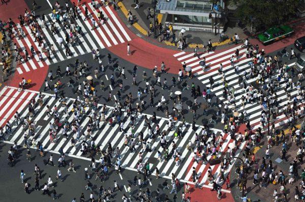 Pedestrians Crossing, Shibuya Ward, Tokyo, Japan 12' x 8' (3,66m x 2,44m)