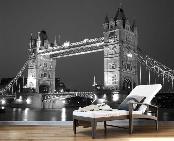 Tower Bridge, London 10.5' x 8' (3,20m x 2,44m)