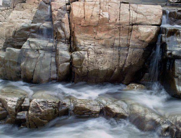 Waterfalls, Rawdon, Quebec 10.5' x 8' (3,20m x 2,44m)