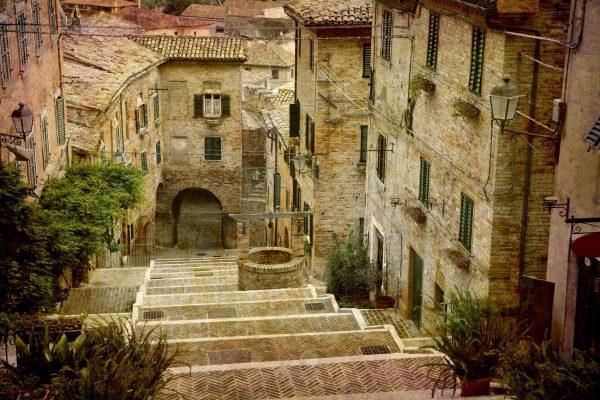 Comune of Corinaldo, Italy 12' x 8' (3,66m x 2,44m)