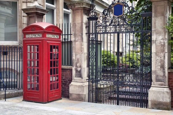 London Calling 12' x 8' (3,66m x 2,44m)