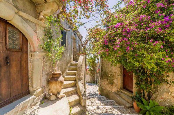 Comune of Lipari, Sicilia, Italy 12' x 8' (3,66m x 2,44m)