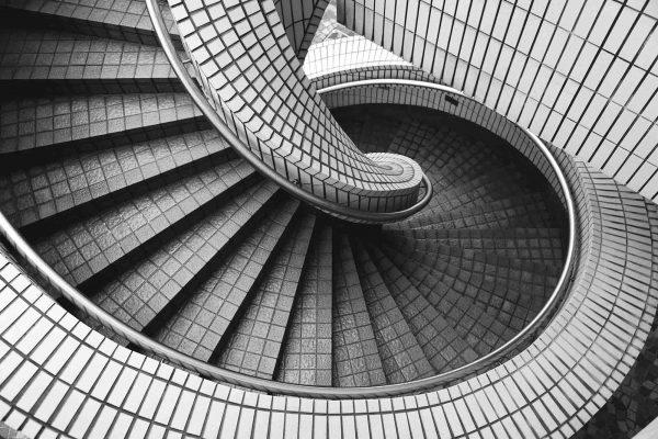Spiral Staircase 12' x 8' (3,66m x 2,44m)